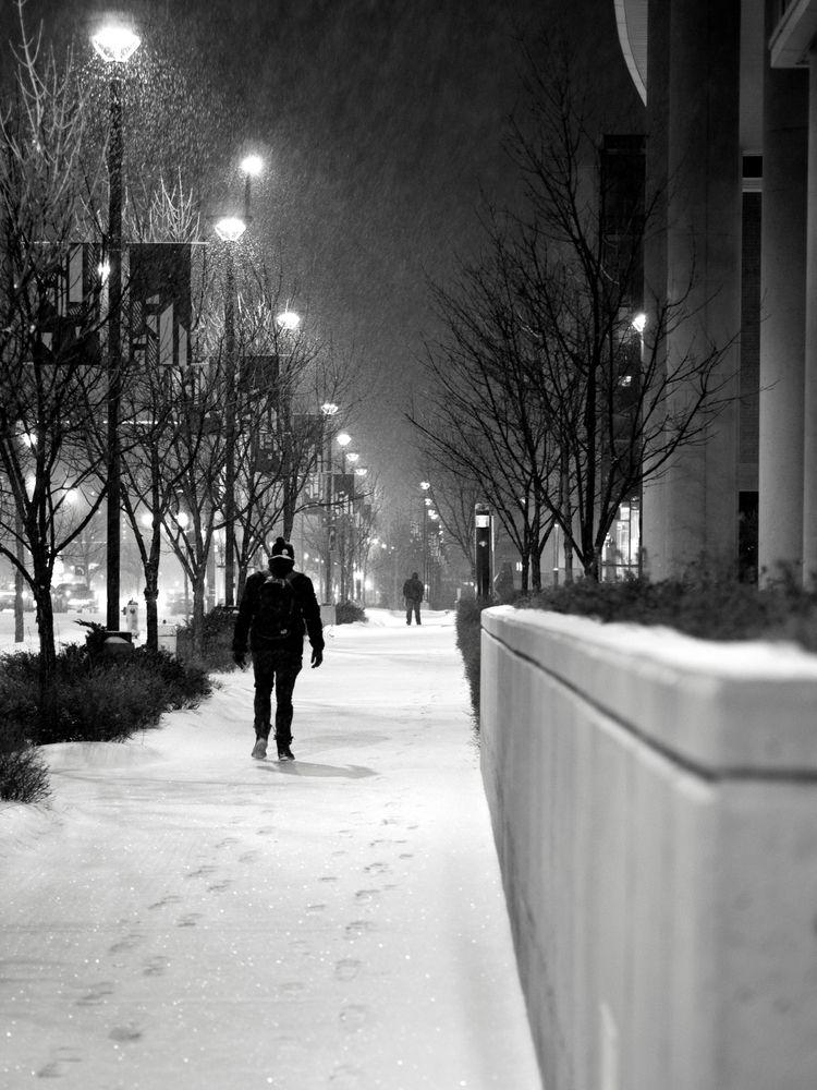 Snowy night Edmonton, Alberta,  - george_s_photo | ello