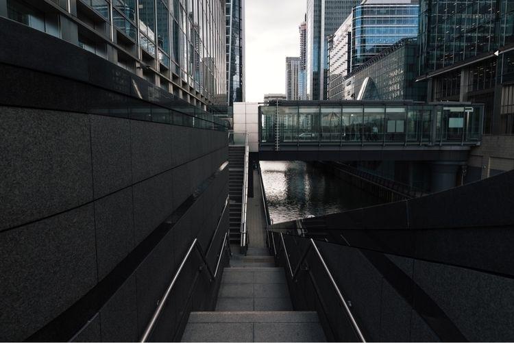 Canary Wharf - architecture, london - domreess | ello