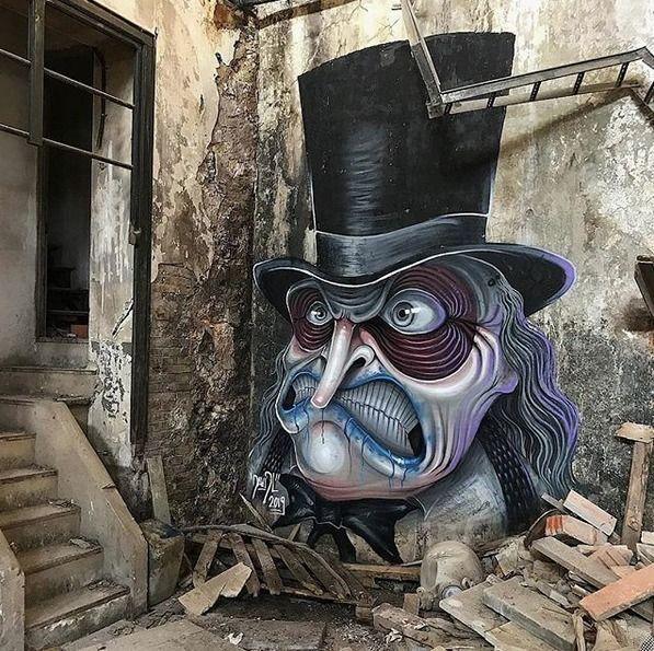 Penguin (Batman - Streetart, Barcelona - dylanwajichecki | ello