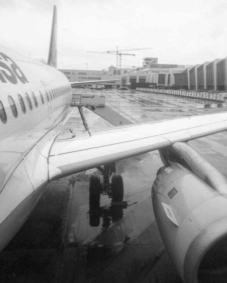 Munich! BRU :airplane:️ MUC - LH2287 - rowiro | ello