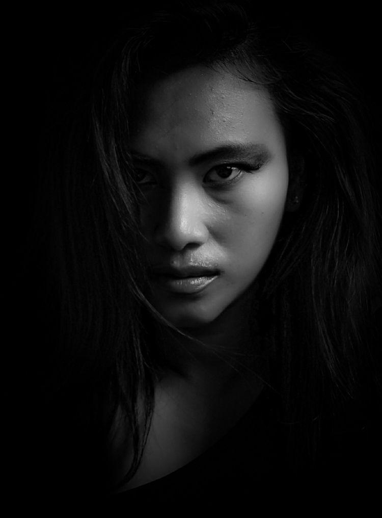 Photographer Dhanny March - blackandwhite - portrait_blackandwhite | ello