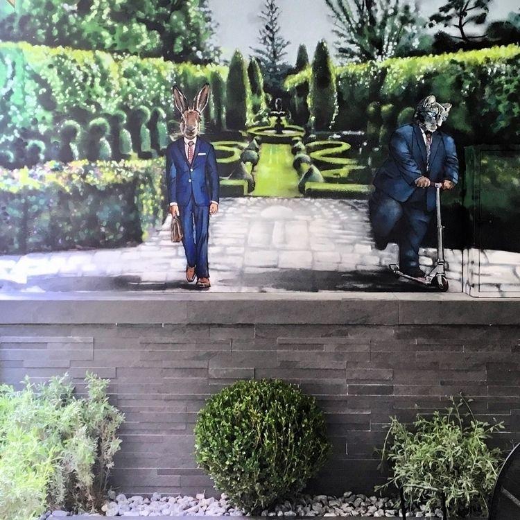 Spray paints wall. Privé apartm - dimitrisliossis | ello