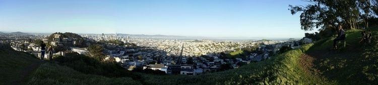 Tank Hill, vue sur la ville de  - gclavet | ello