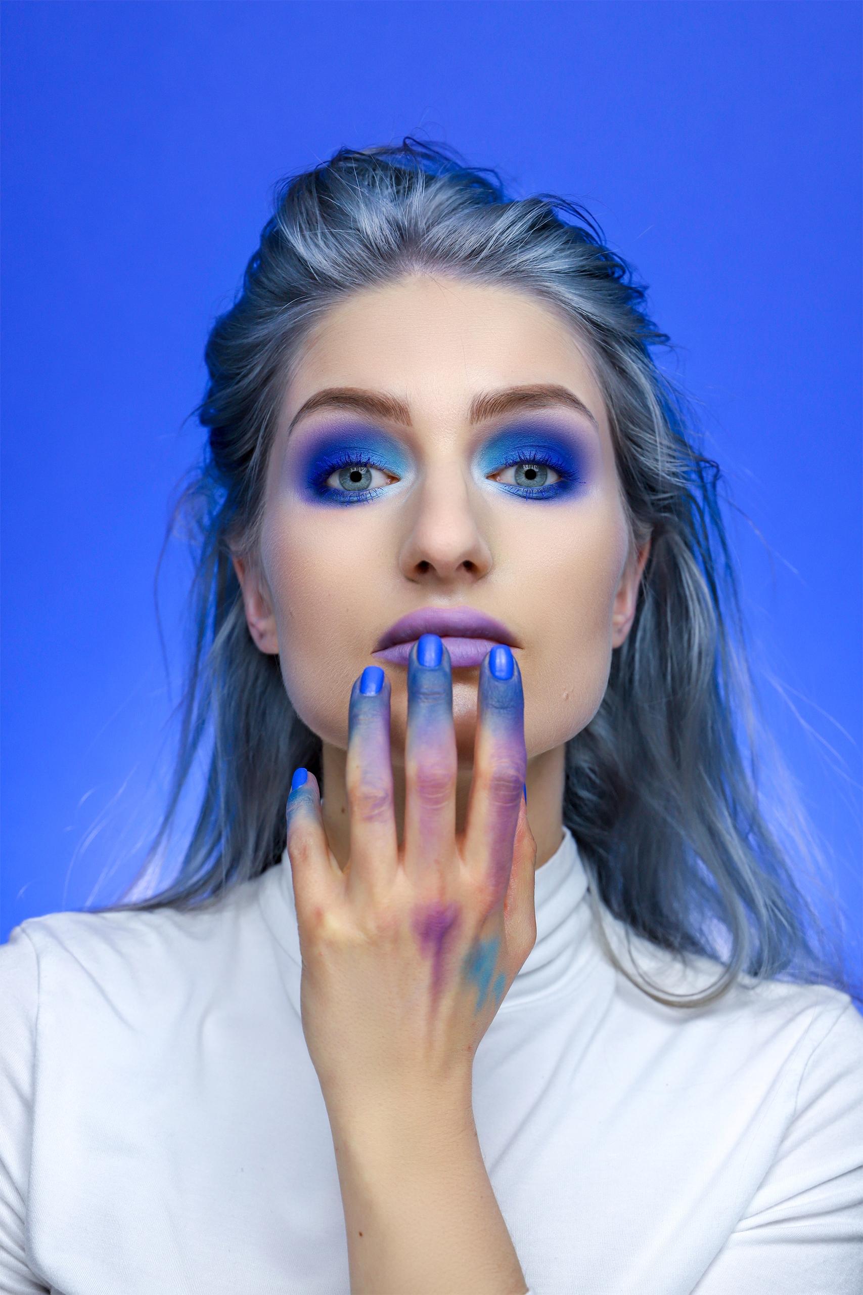 Make-up inspirowany obrazem. 'M64' by Wojciech Fangor. Remake