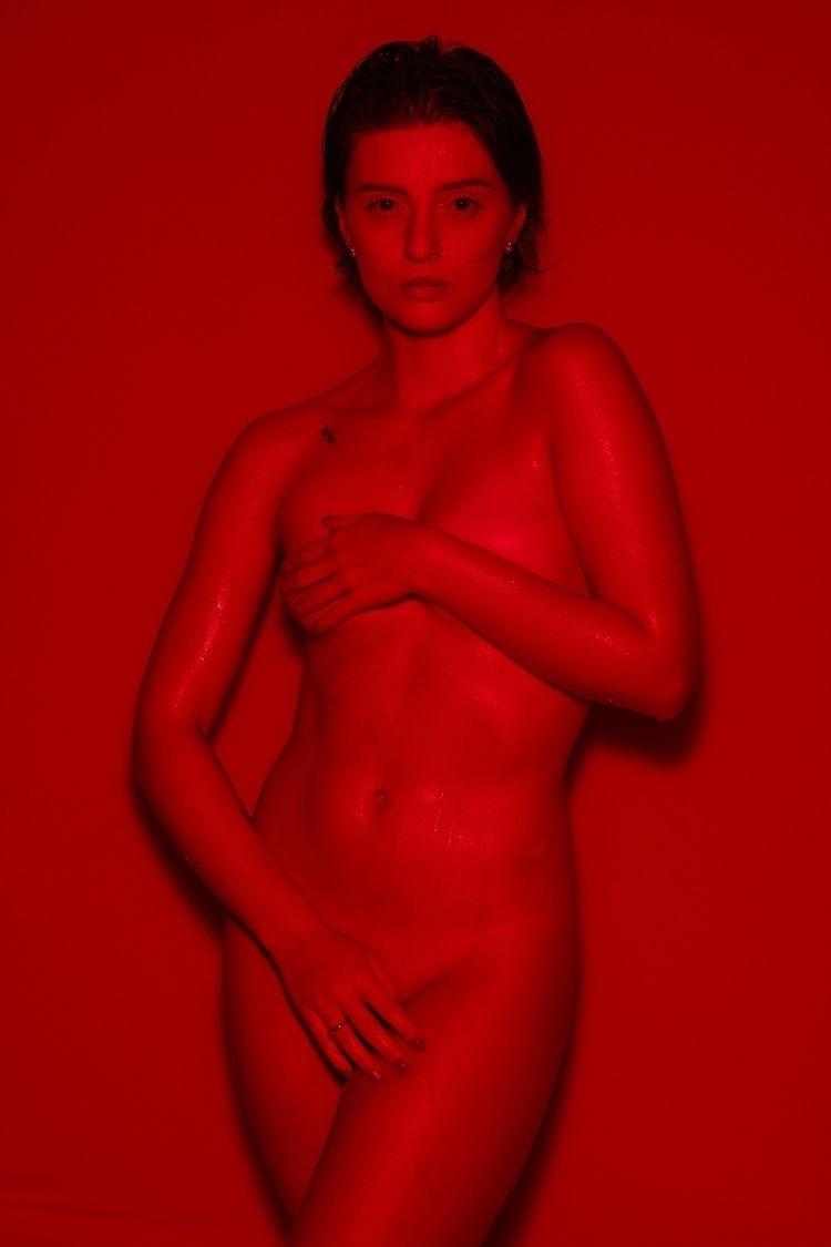 Red - gabrielnot | ello