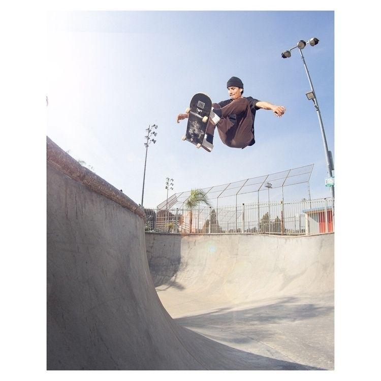 Martinez frontside ollie - skateboarding - marfacapodanno | ello