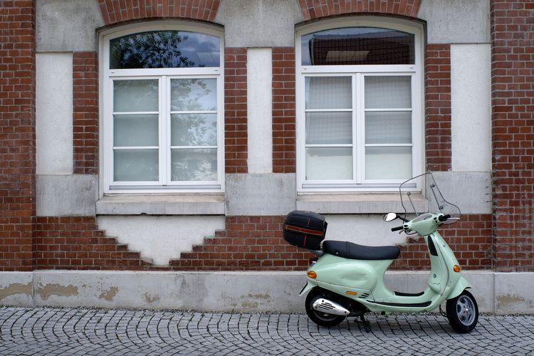 Ready - photography, scooter, street - marcushammerschmitt | ello