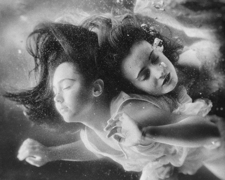 """Flow"" – Photographer: Velizar  - darkbeautymag   ello"