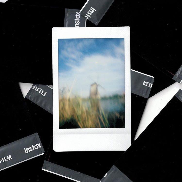 polaroid, instax, instaxfilm - nameless_korin | ello