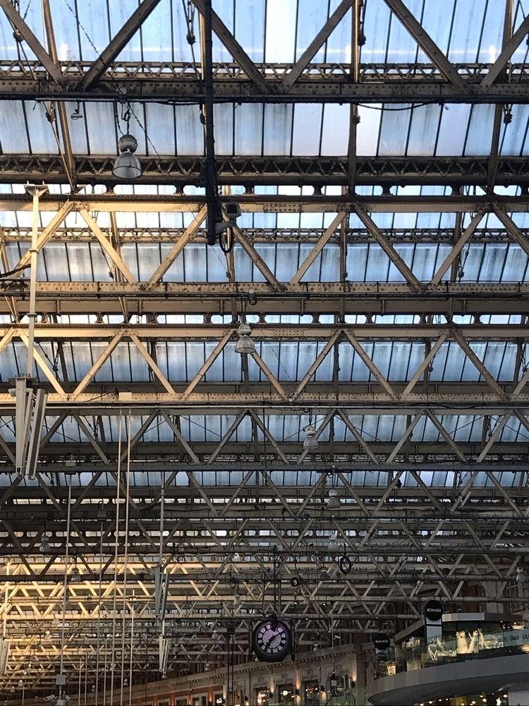 Time Span Waterloo Station, Lon - charles_3_1416   ello