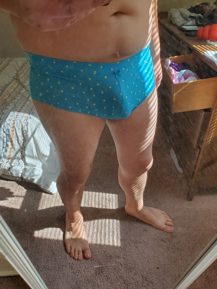 posted 'conservative - nsfw, panties - maxstclaire | ello