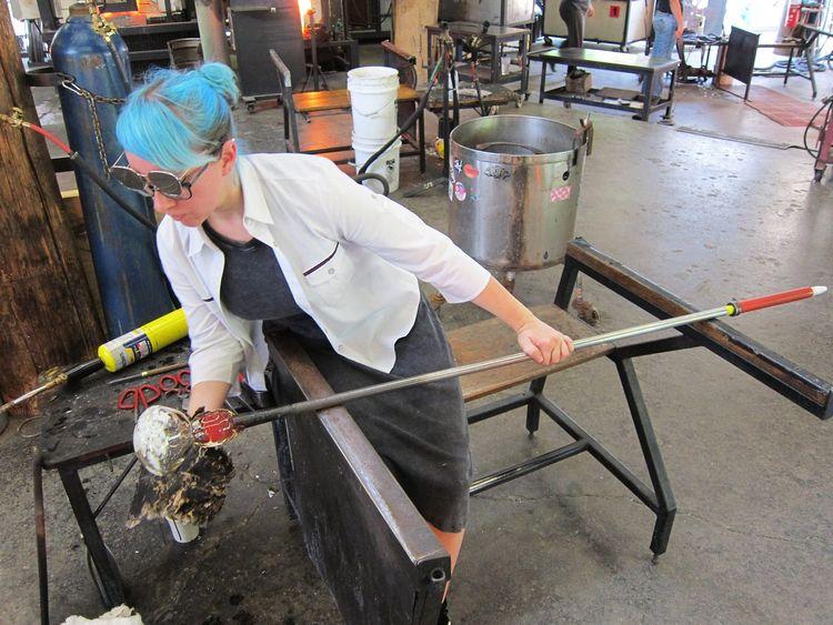 Working - glassblowing, handcraft - neoyookai | ello