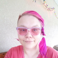 Mel (@pinkatron2000) Avatar