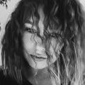Nina Voß (@lifeballshardballharder) Avatar