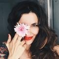 Sara Lobla  (@saralobla) Avatar