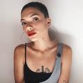 Heloisa L (@heloisaslima) Avatar