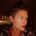Suze Schneider (@ivy_lux_omni) Avatar
