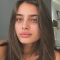 Rose  Desrochers (@rosedesrochers) Avatar
