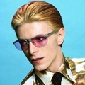 not david bowie  (@bowie) Avatar