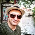 Omid (@iomid) Avatar