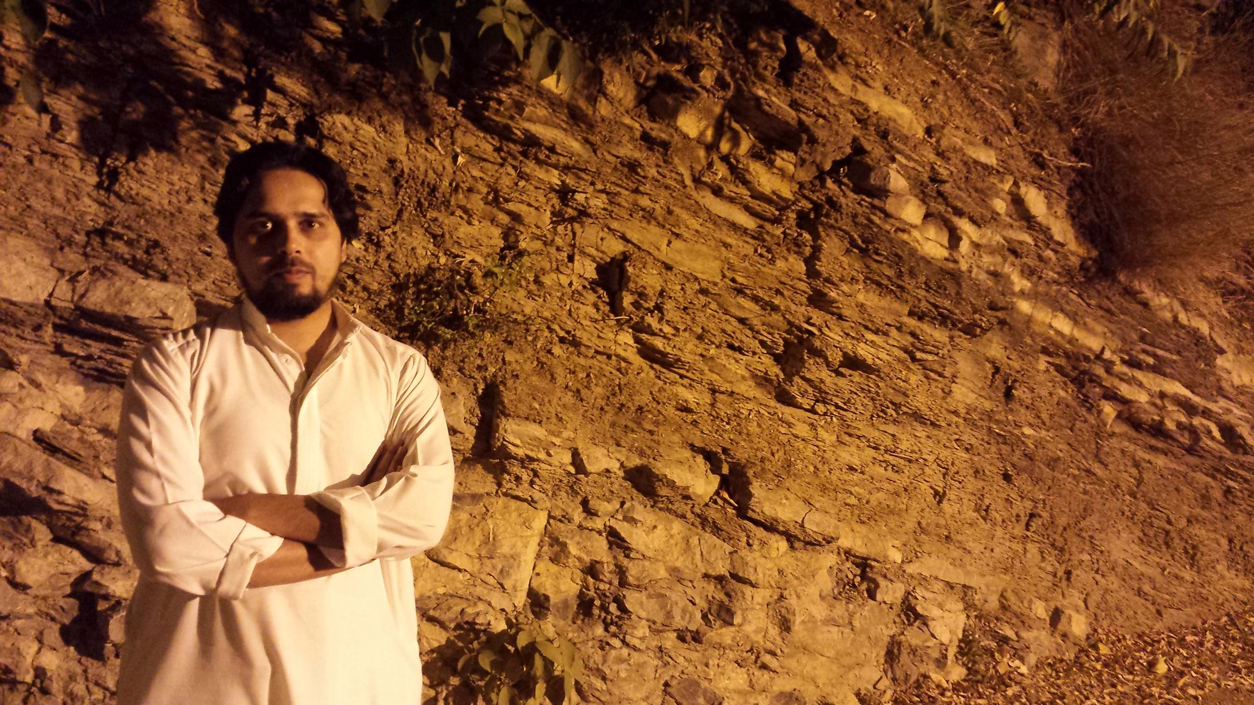 Waqar (@waqarfarooqi) Cover Image