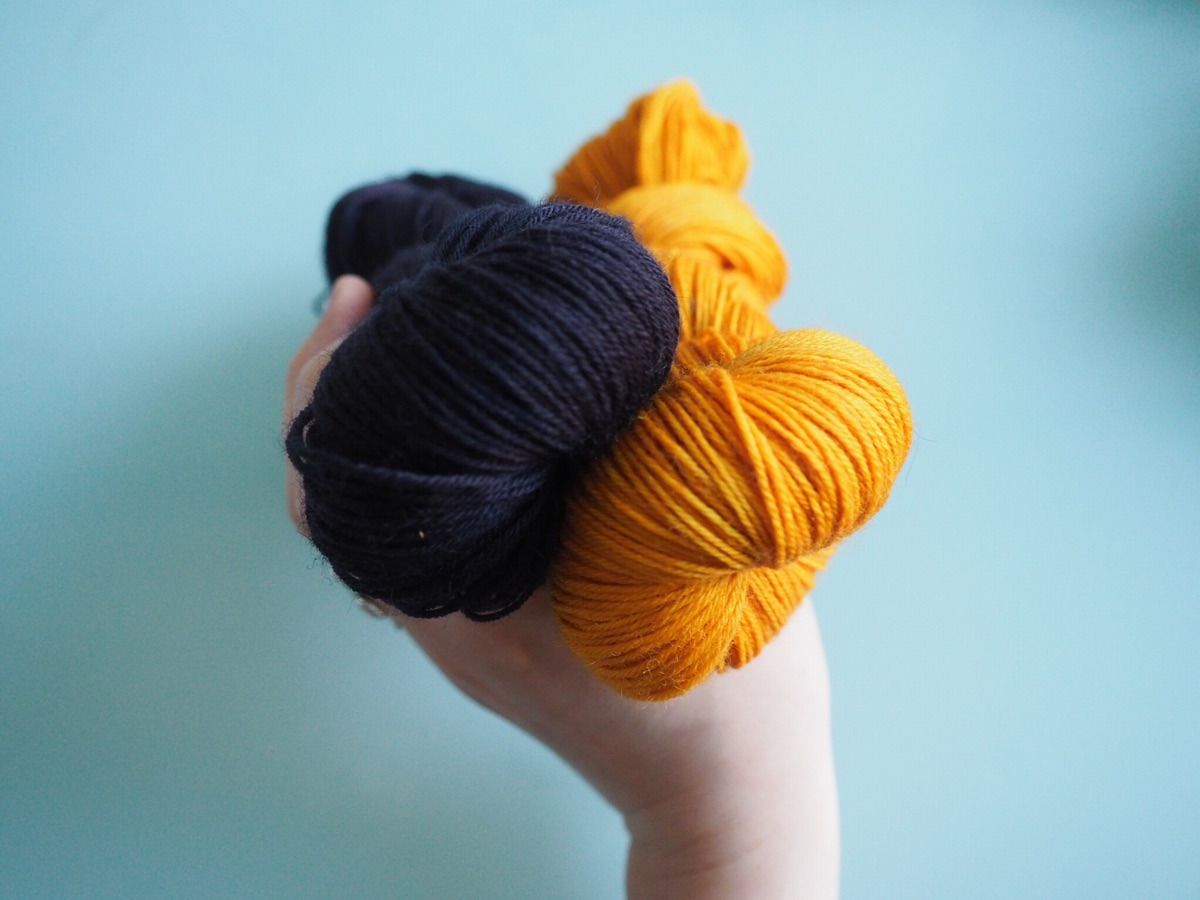 Adeline Albeaux (@dyeingtobeknit) Cover Image