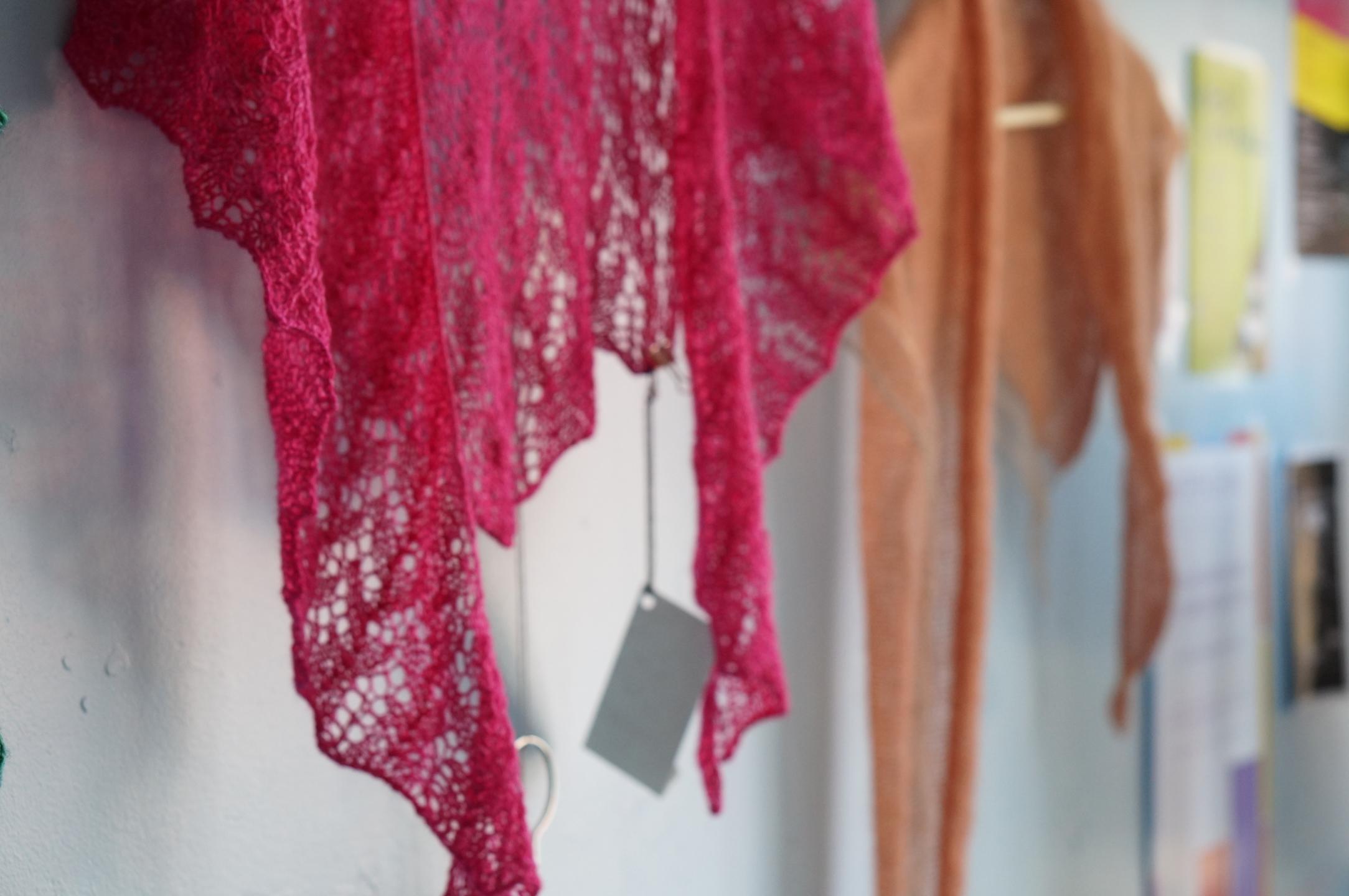 Handknit Yarn Studio (@handknityarn) Cover Image