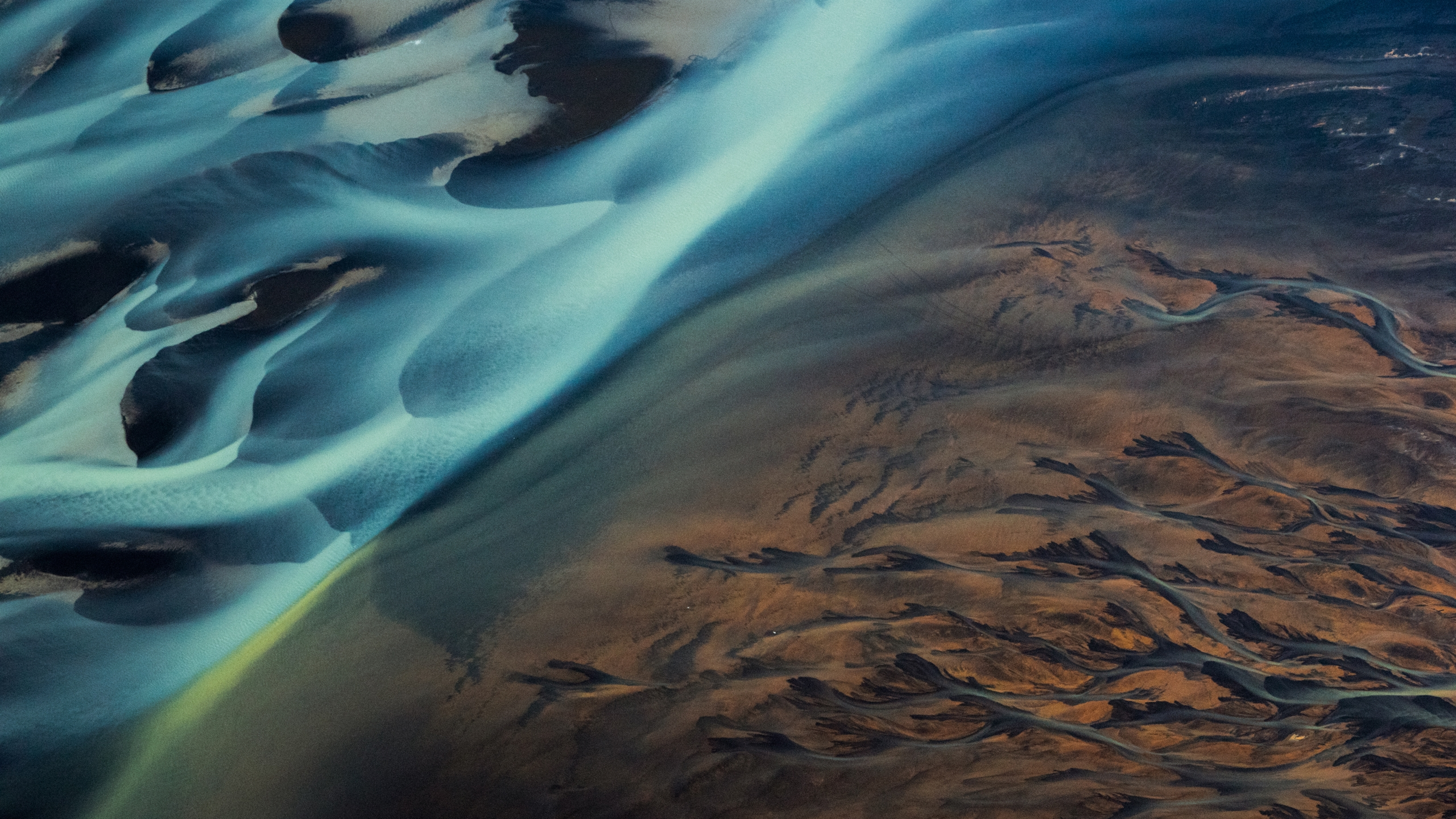 Ello Aerial (@elloaerial) Cover Image