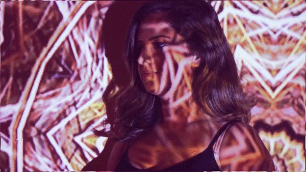 Julia (@juliaranderson) Cover Image