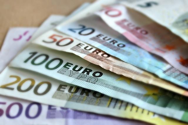 come fare soldi velocemente (@comefaresoldivelocemente) Cover Image