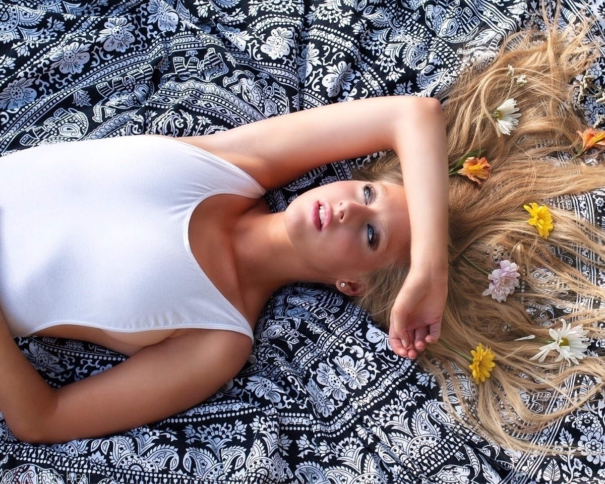 @ashleytaylor_ Cover Image