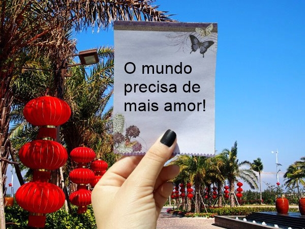 Carina  (@carinamenezes) Cover Image