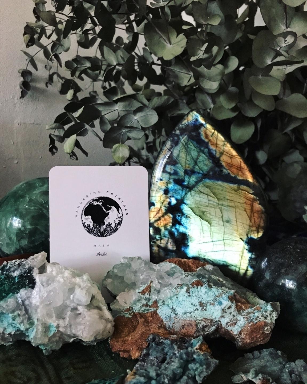 Wandering Crystals  (@wanderingcrystals) Cover Image