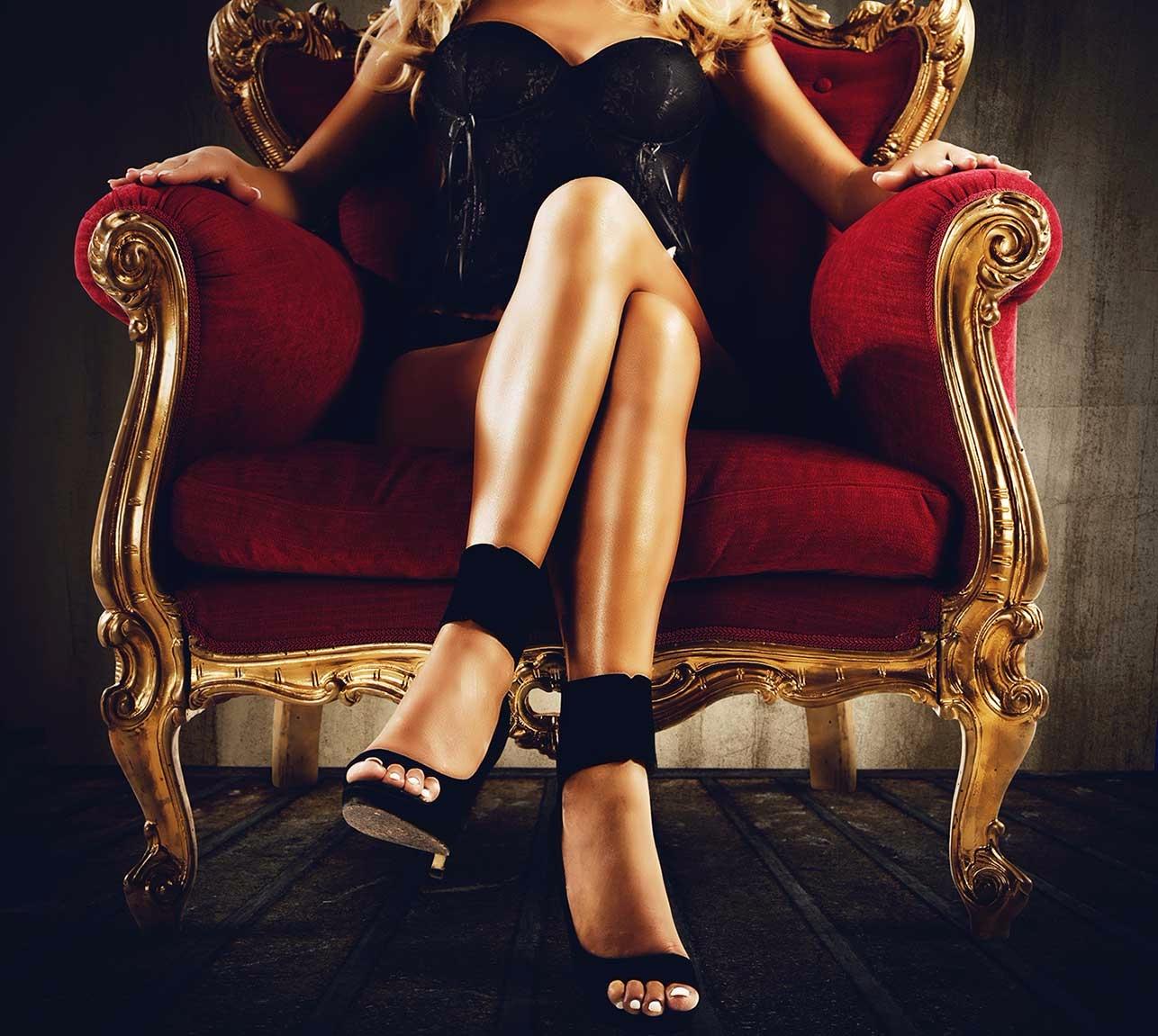 Laura (@luxurybarcelona) Cover Image