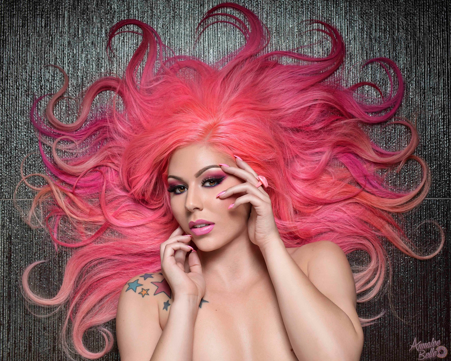 Annalee Belle (@annaleebelle) Cover Image