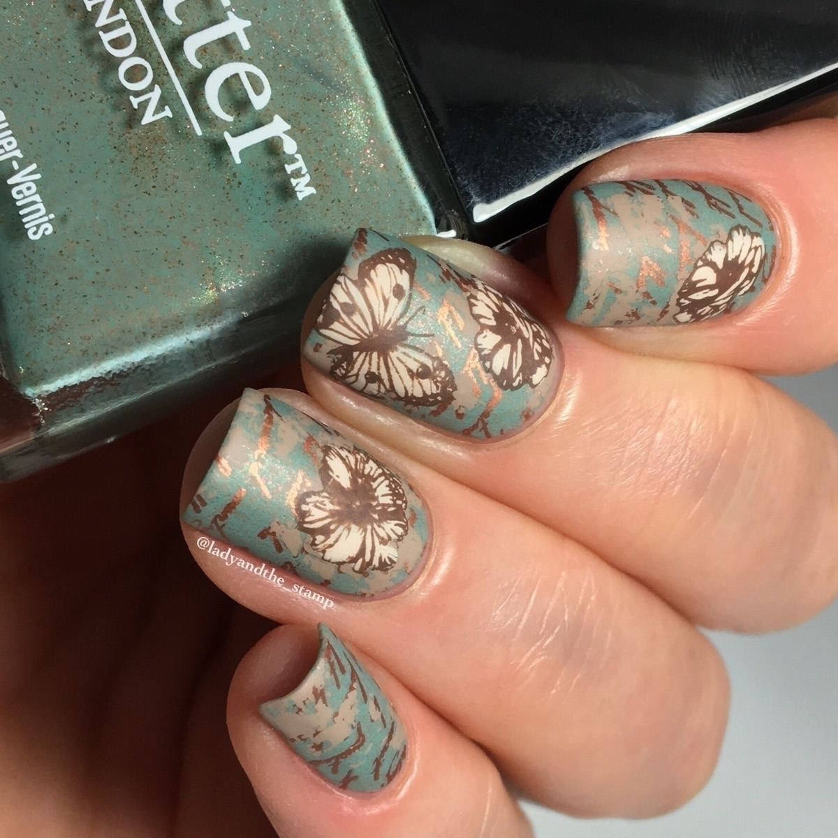 Debbie 🇬🇧 (@ladyandthe_stamp) Cover Image