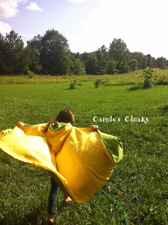 carolescloaks (@carolescloaks) Cover Image
