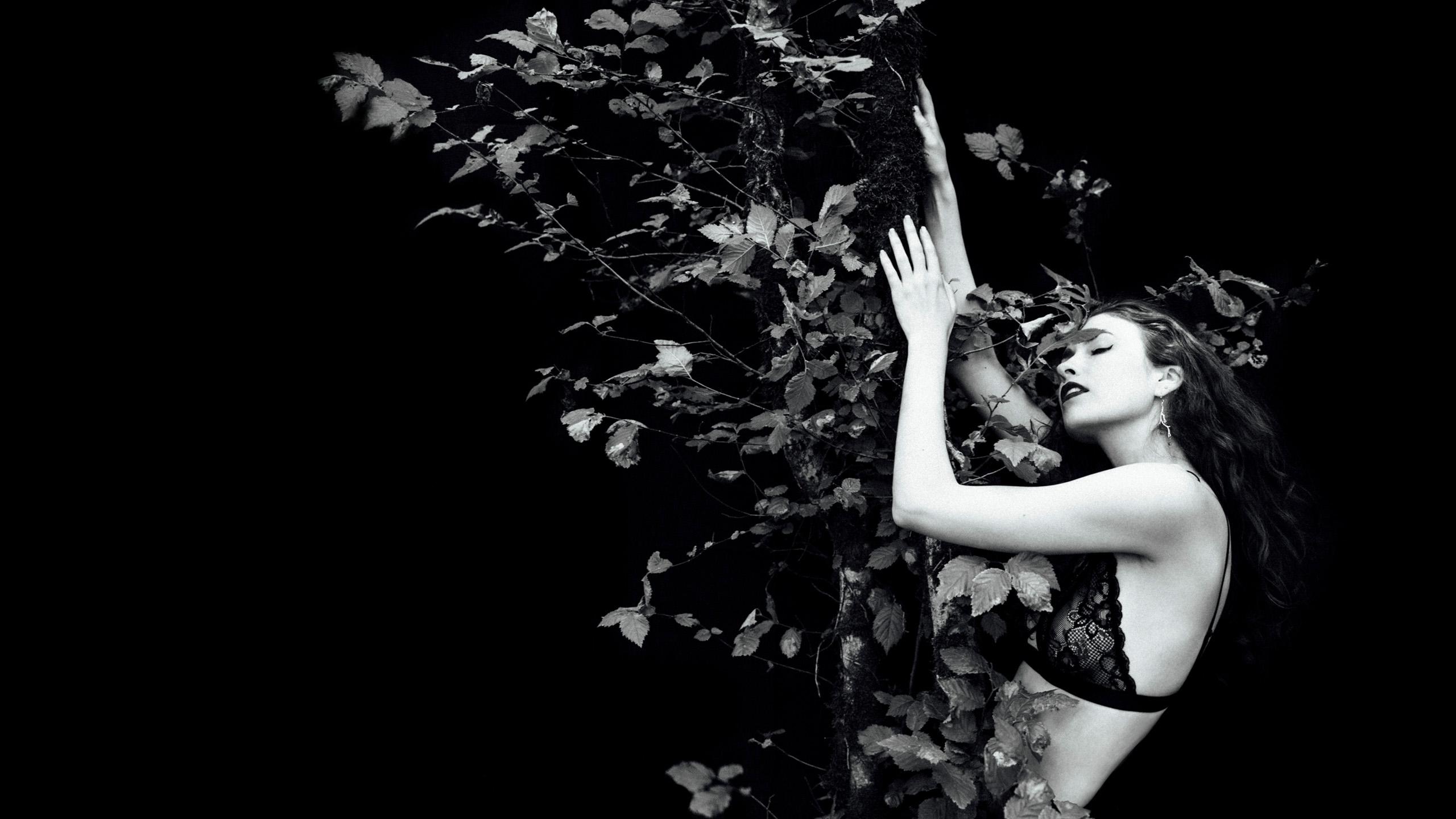 Karinna Gylfphe (@kgylfphe) Cover Image