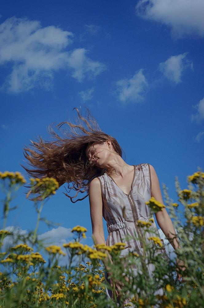 Anna Atlas (@annaatlas) Cover Image