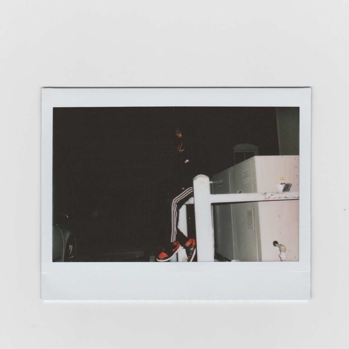 V (@vxaura) Cover Image