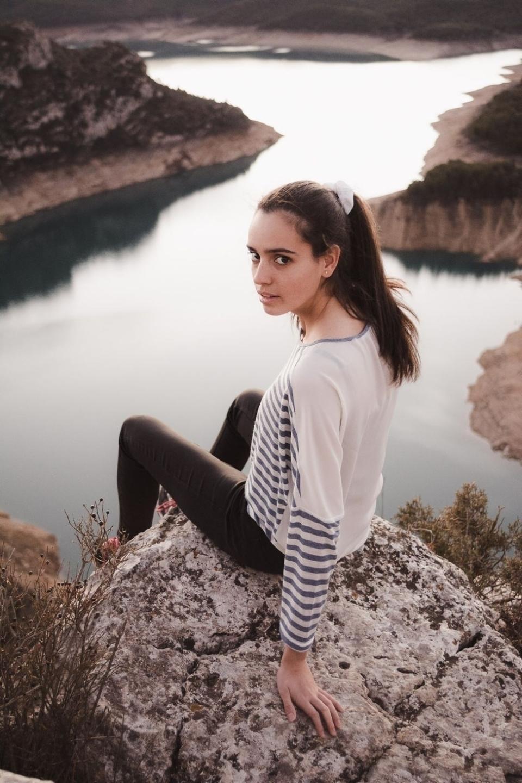 Júlia Alsina (@julialsinaa) Cover Image