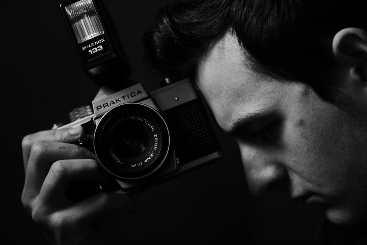 Óscar Pérez (@festivefosco) Cover Image