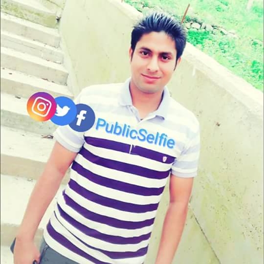 Public Selfi (@publicselfie) Cover Image