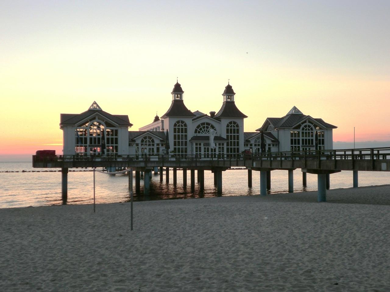 Orange Beach Restaurants (@orangebeachrestaurants) Cover Image