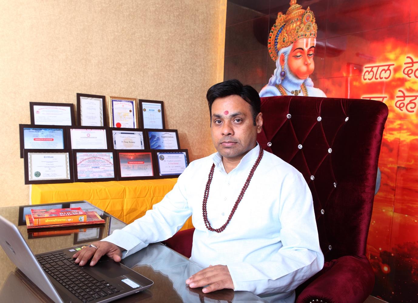 Dr. Vinay Bajr (@sanjeev9) Cover Image