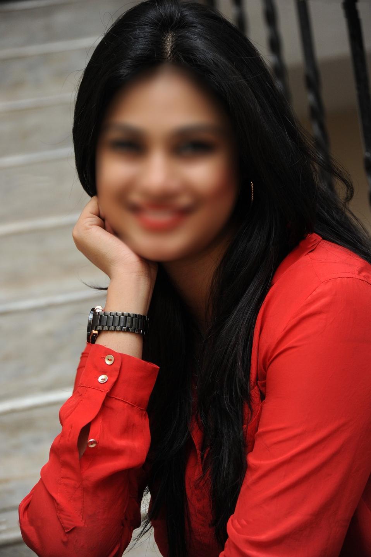 Naha Bhatia (@behababe4u) Cover Image