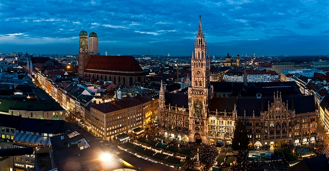 Moonscape H20 | Munich Nightlife (@munichnightlife) Cover Image