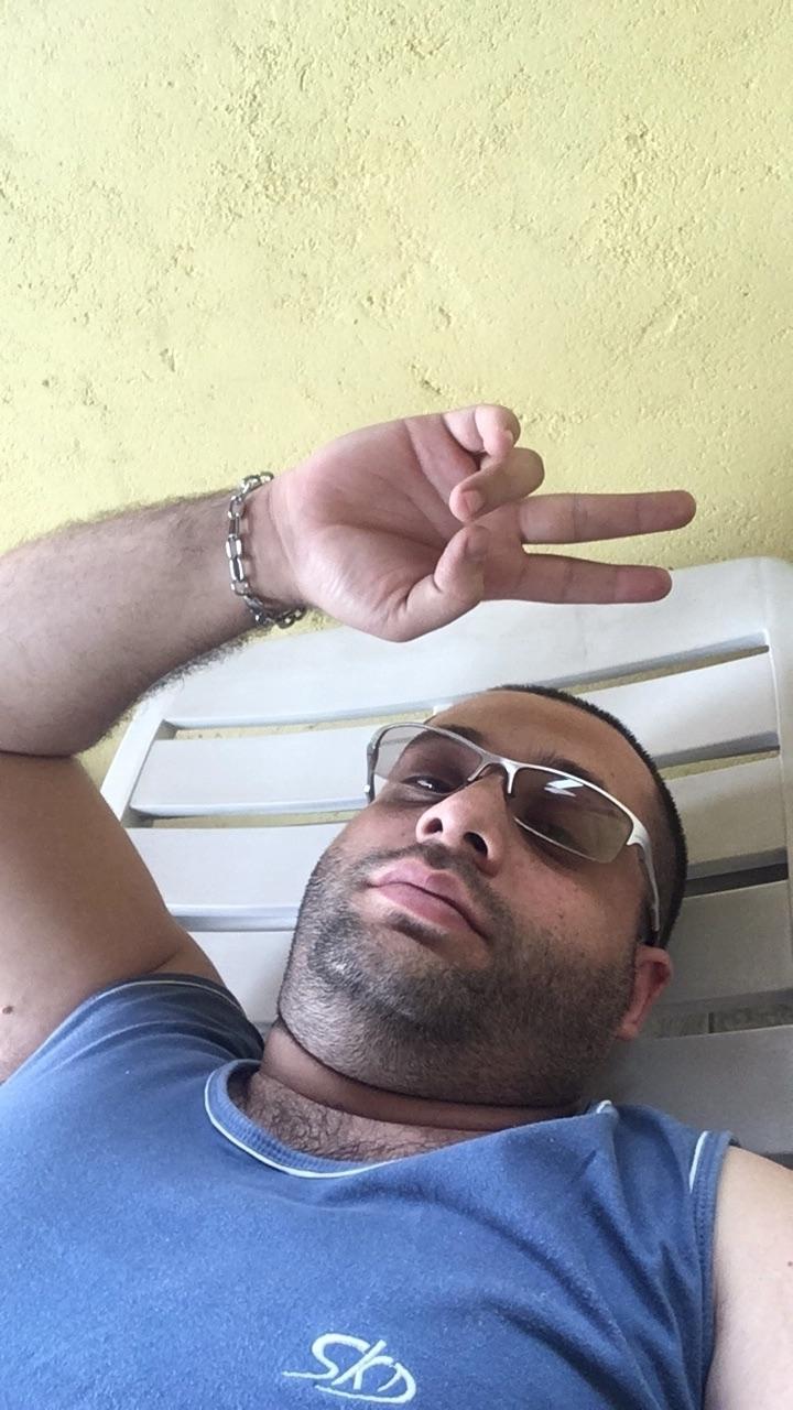 @alexbuoro Cover Image