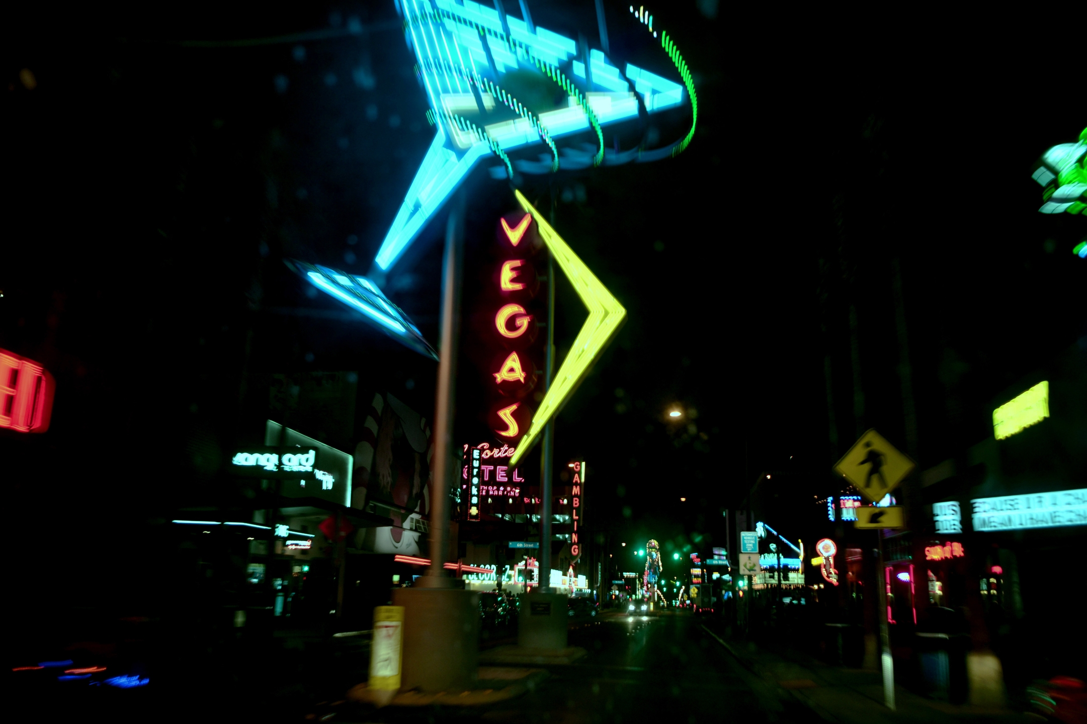 Las Vegas (@ellolasvegas) Cover Image