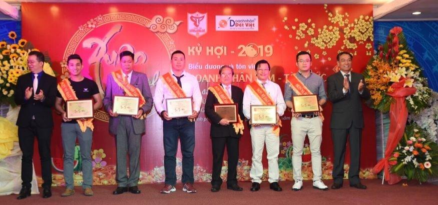 Đòi Nợ Hoàng Phong (@doinohoangphong) Cover Image